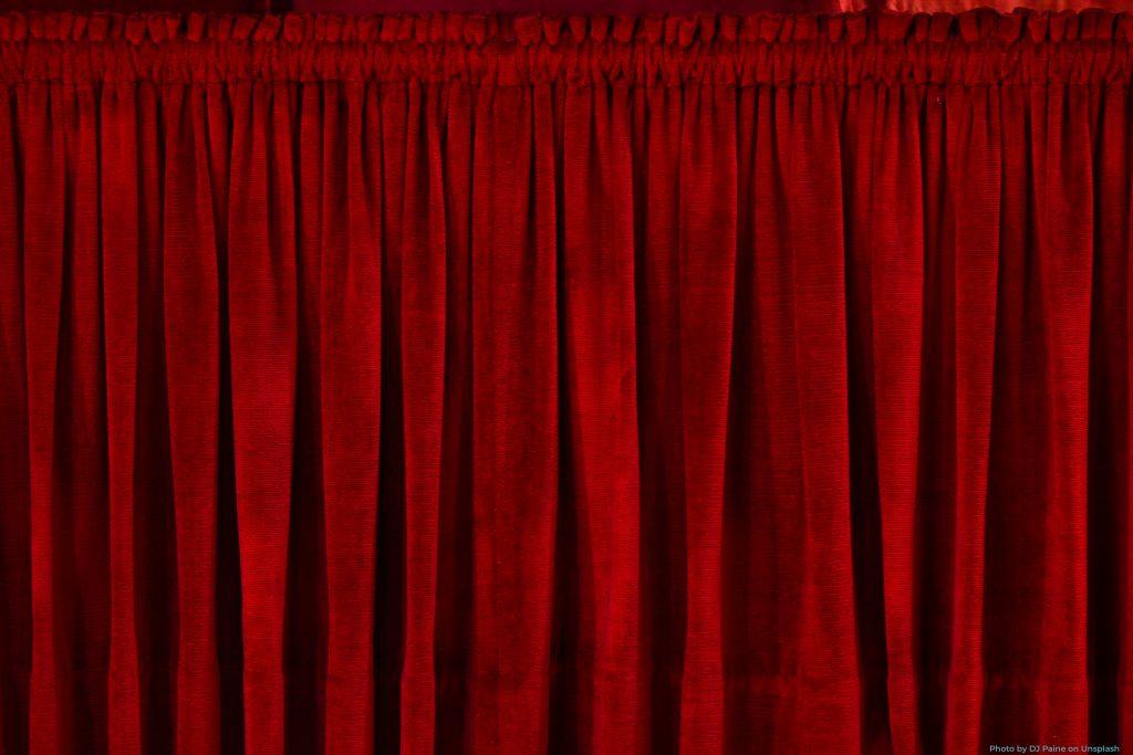 diigo red curtain